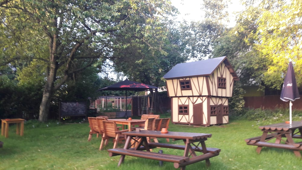 The Poacher Inn: Alton Road, South Warnborough, HAM