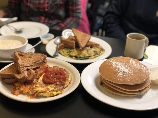 Astonishing Marias Luncheonette 2019 All You Need To Know Before You Interior Design Ideas Gresisoteloinfo