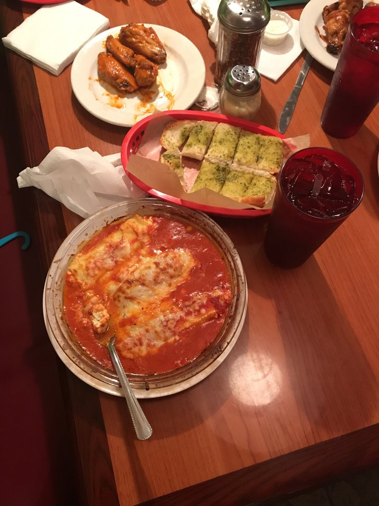 Food from Giardino Pizzeria & Restaurant
