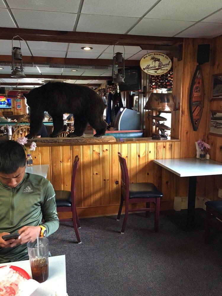 Trail Lake Lodge: Mile 295 Seward Hwy, Moose Pass, AK