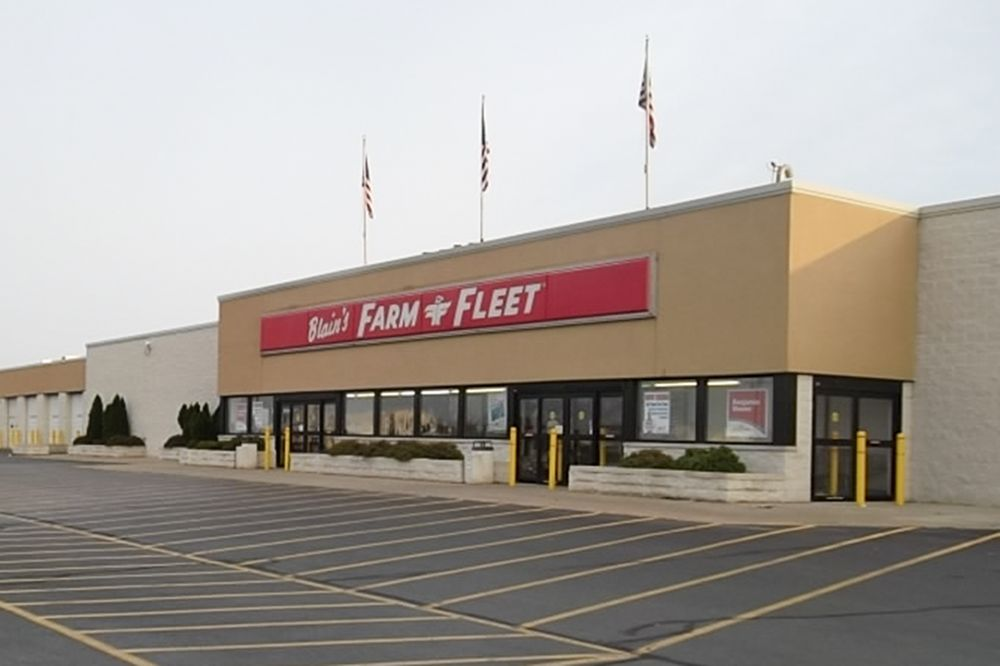 Blain's Farm & Fleet - Dodgeville, Wisconsin: 4894 County Road Yz, Dodgeville, WI