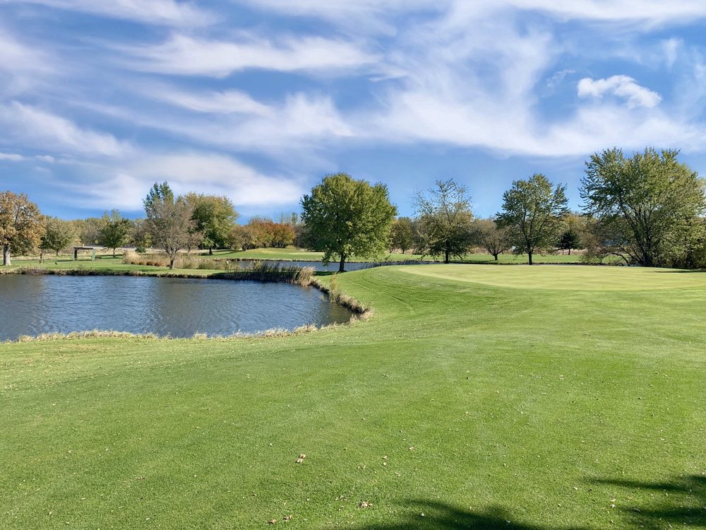 Glencoe Country Club: 1325 1st St E, Glencoe, MN