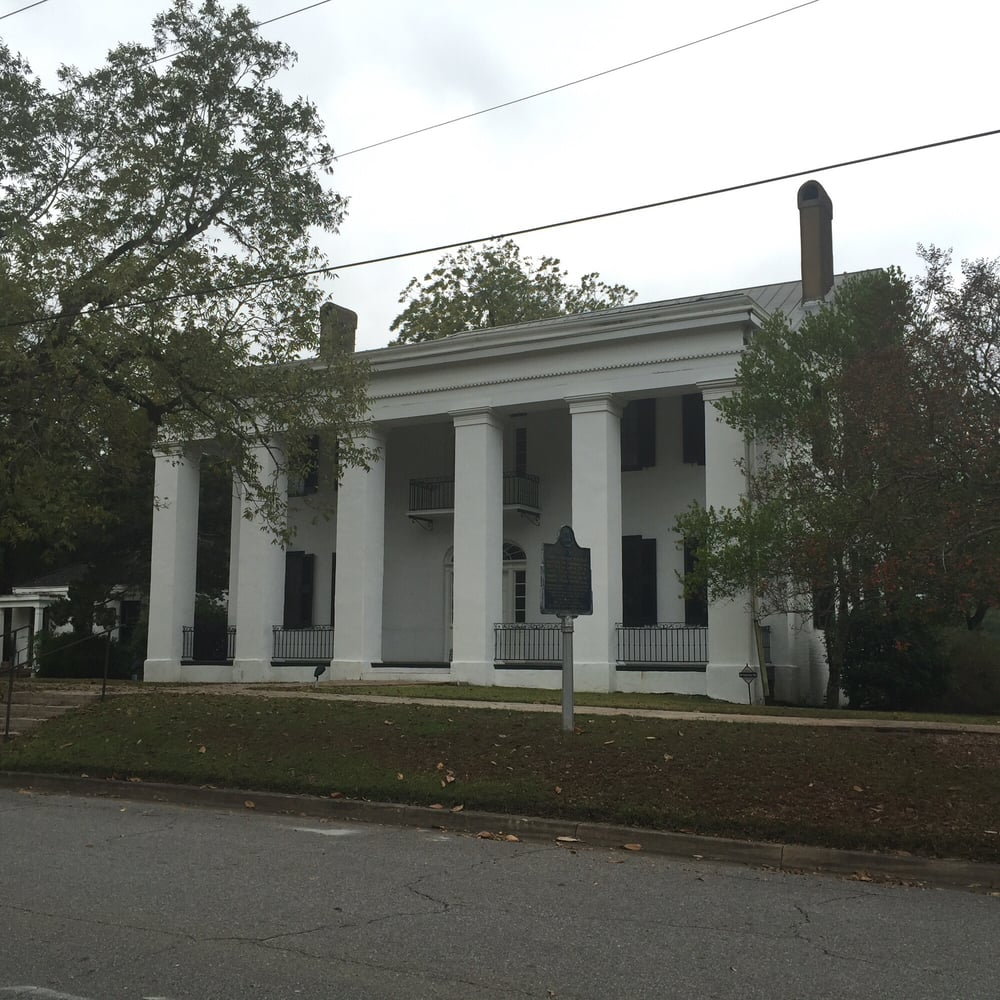 Bluff Hall: 407 N Commissioners Ave, Demopolis, AL