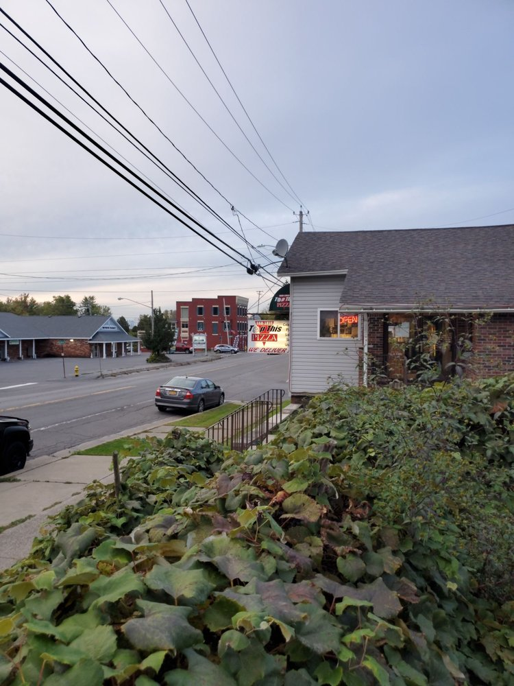 Top This Pizza: 9664 Rt 11, Brewerton, NY