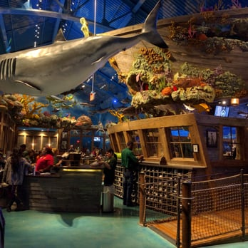 Bass Pro Shops 111 Photos 37 Reviews Boat Dealers