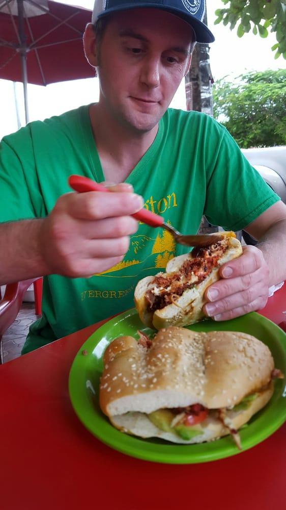 Tortas alejandra 10 reviews street vendors entre for Alejandra s mexican cuisine