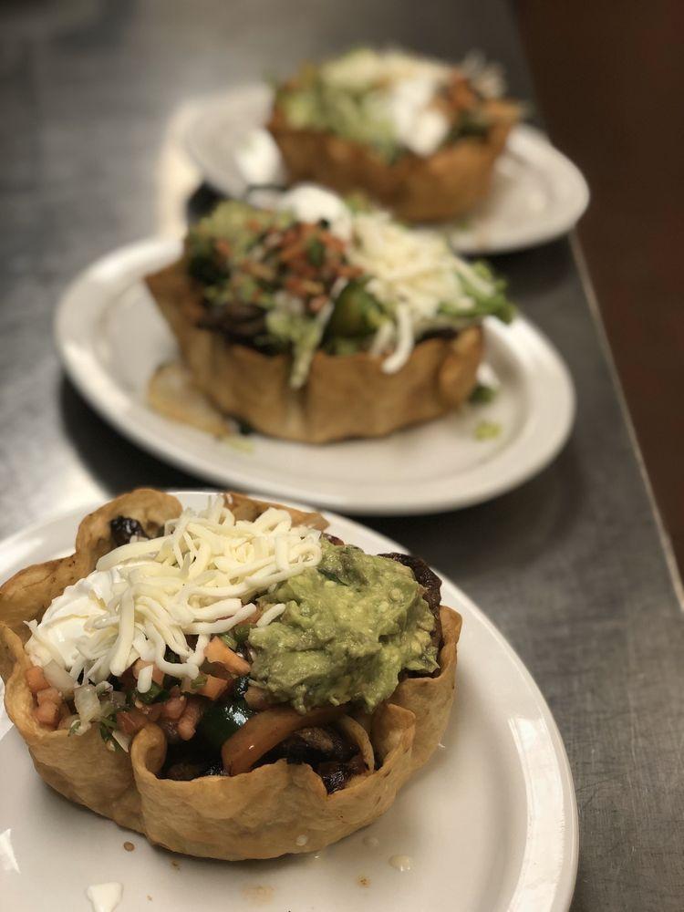 Chiapas Mexican Grill: 2733 W Alex Bell Rd, Moraine, OH