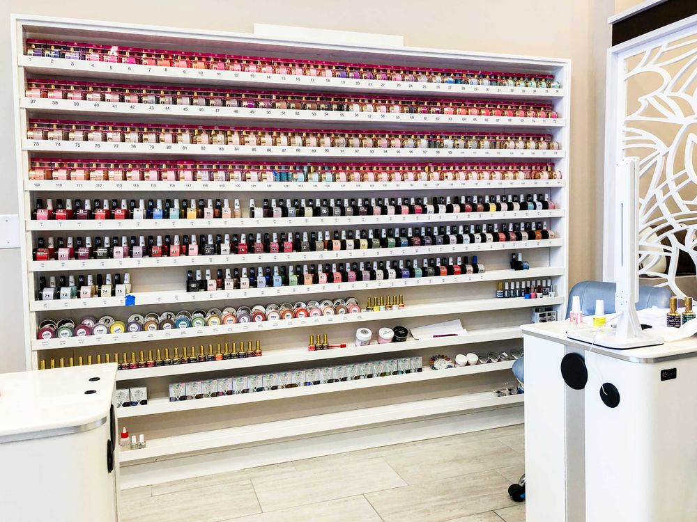 Modern Nails: 6005 Wade Hampton Blvd, Taylors, SC