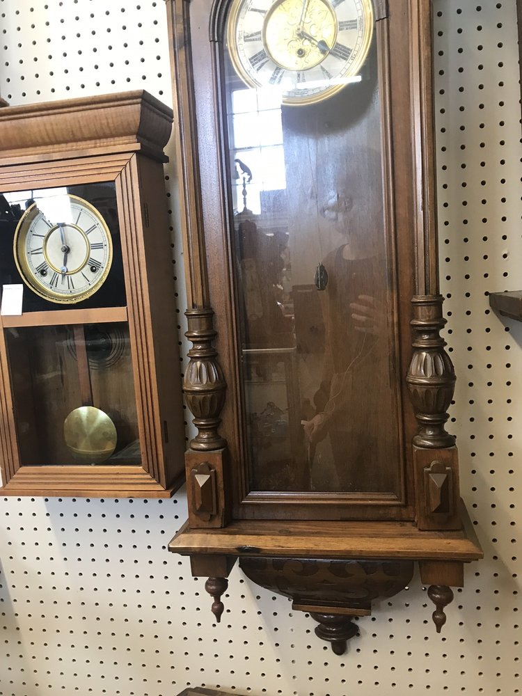 Lafayette School House Antique Mall: 748 3rd St, Lafayette, OR