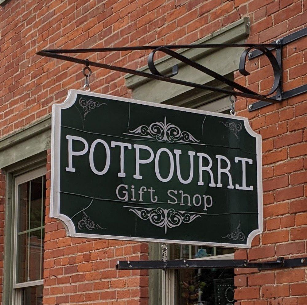 Potpourri: 474 Bluff St, Dubuque, IA