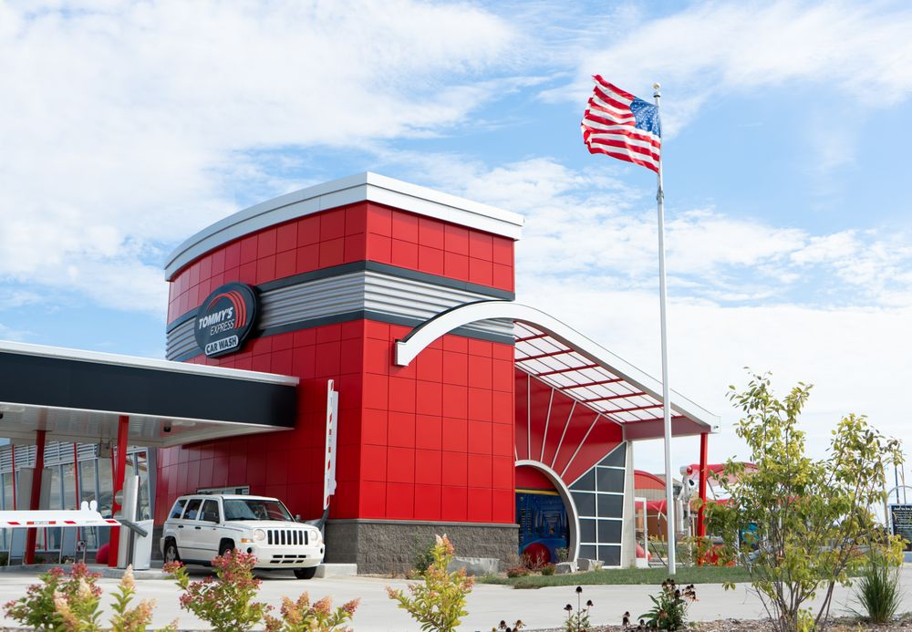 Tommy's Express® Car Wash: 7950 In-66, Newburgh, IN