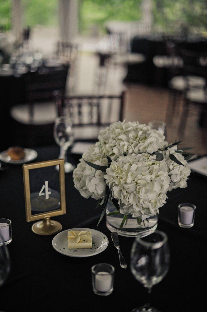 Haddonfield Floral Company: 25 Kings Hwy E, Haddonfield, NJ