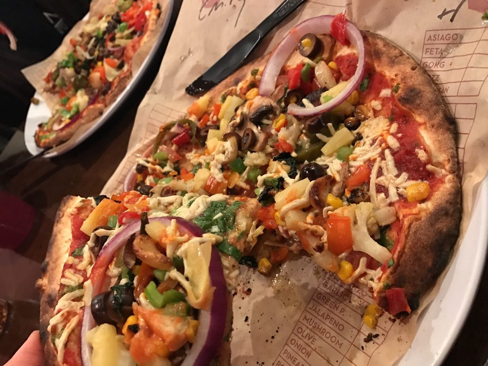Photo of MOD Pizza: Valencia, CA