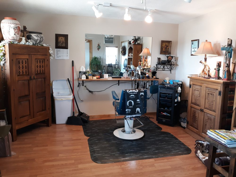 Nanette's Hair Studio: Española, NM