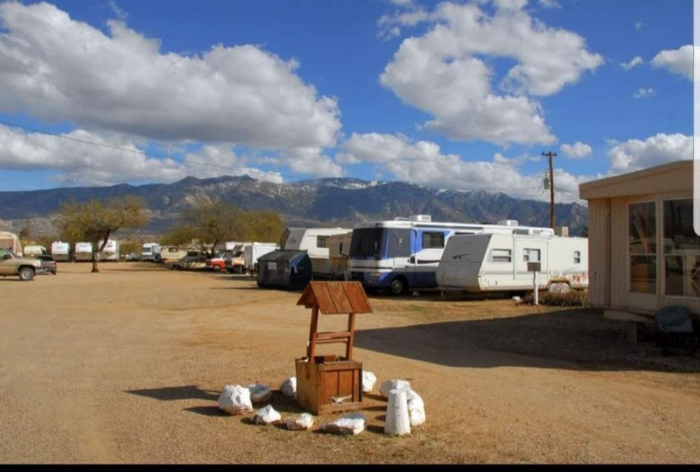 Wishing Well Trailer Court: 16100 N Oracle Rd, Tucson, AZ