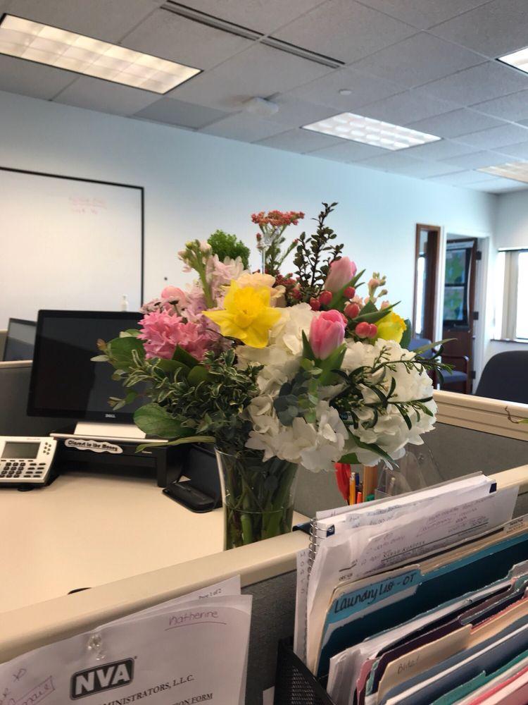 All Tied Up Floral Cafe: N474 Eisenhower Dr, Appleton, WI