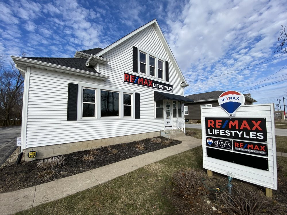 RE/MAX Lifestyles: 831 E Lincolnway, Valparaiso, IN