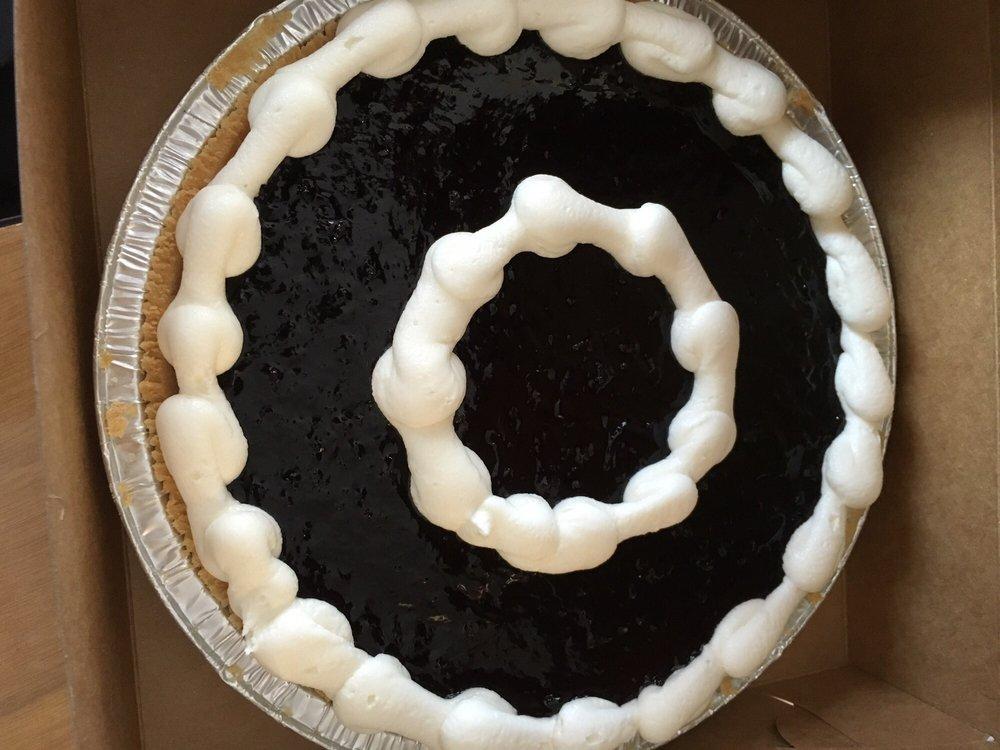 Manna Bakery & Deli: 6905 S Broadway, Littleton, CO