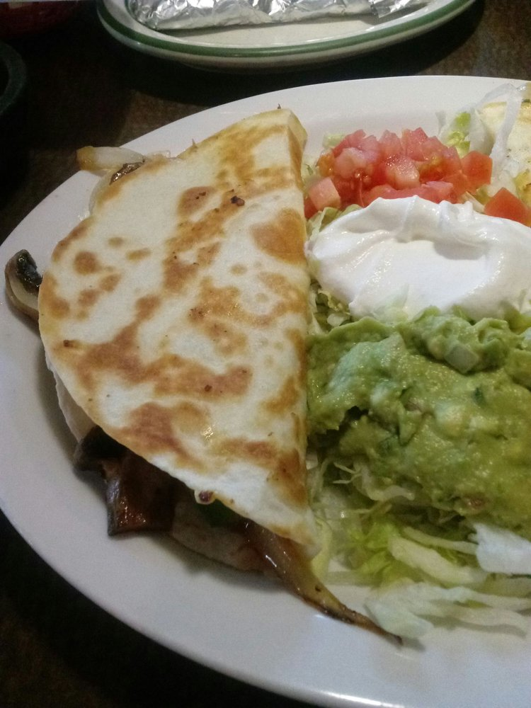 Don Julio Mexican Restaurant Bar And Grill: 11347 North Ave, Chisago City, MN
