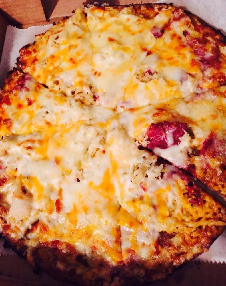 Michael's Pizza: 2629 Beaver Ave, Des Moines, IA