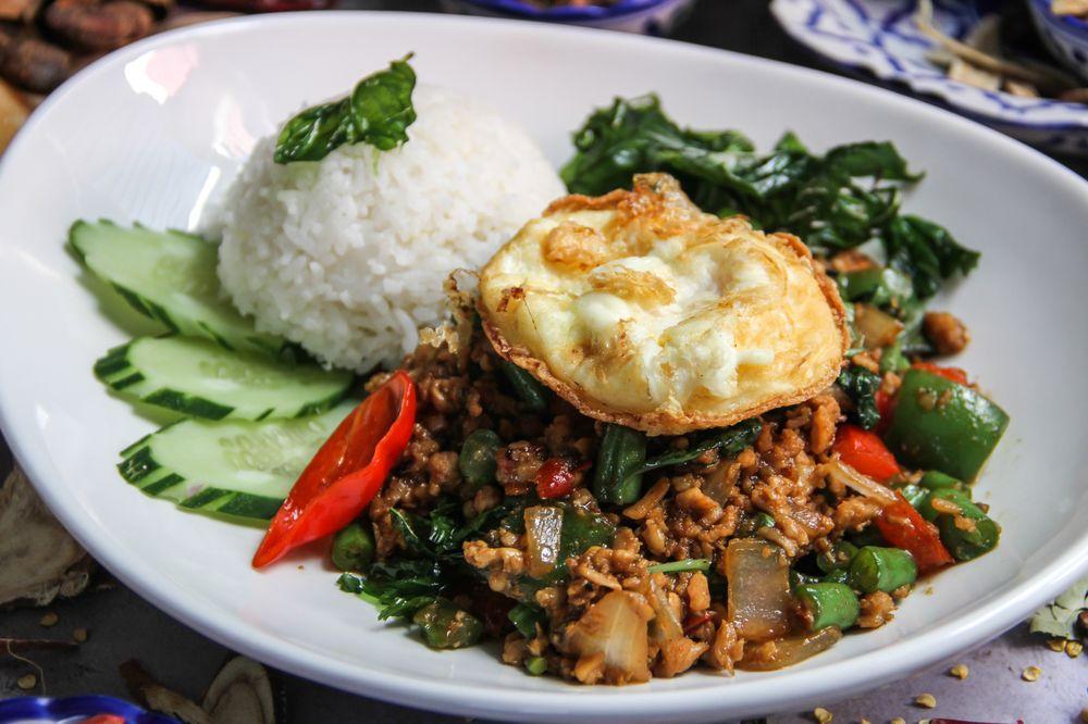 26 Thai Kitchen & Bar at Midtown: 824 Juniper St NE, Atlanta, GA