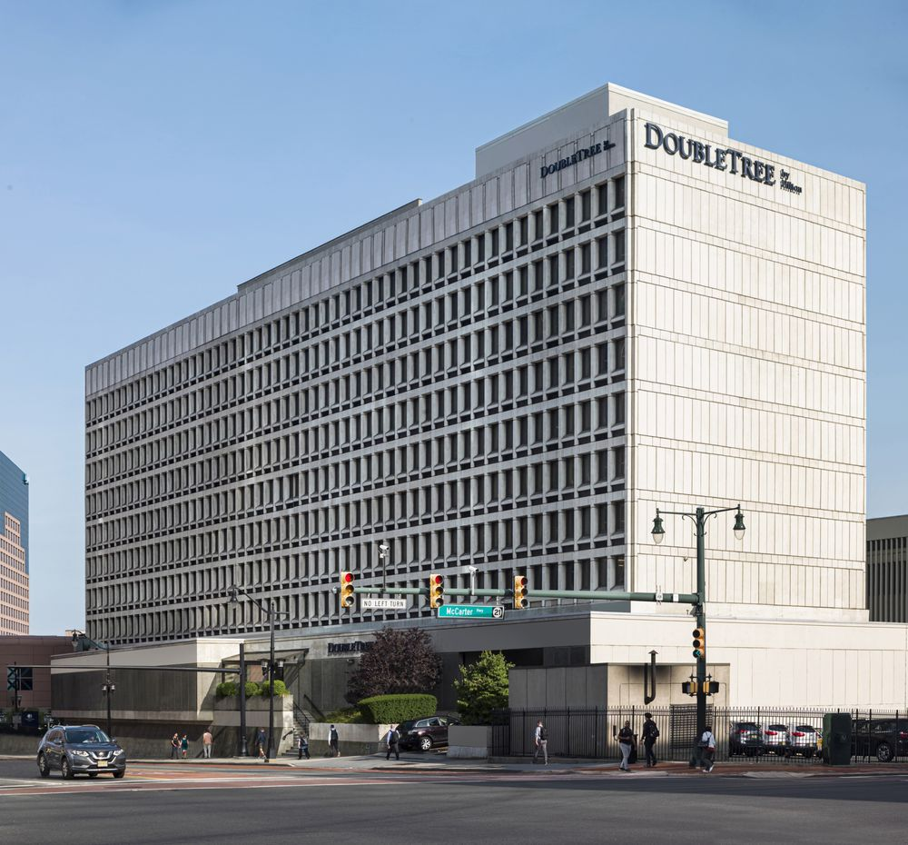 DoubleTree by Hilton Newark Penn Station - Newark