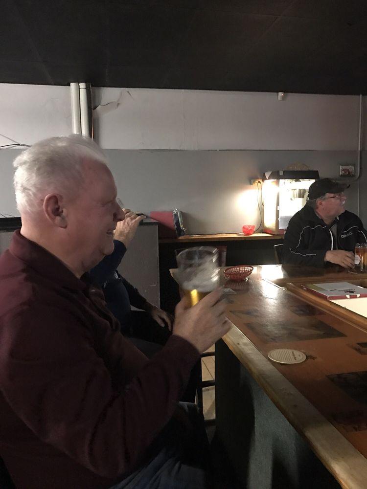 Boomers Sports Bar: 186 King Street W, Prescott, ON