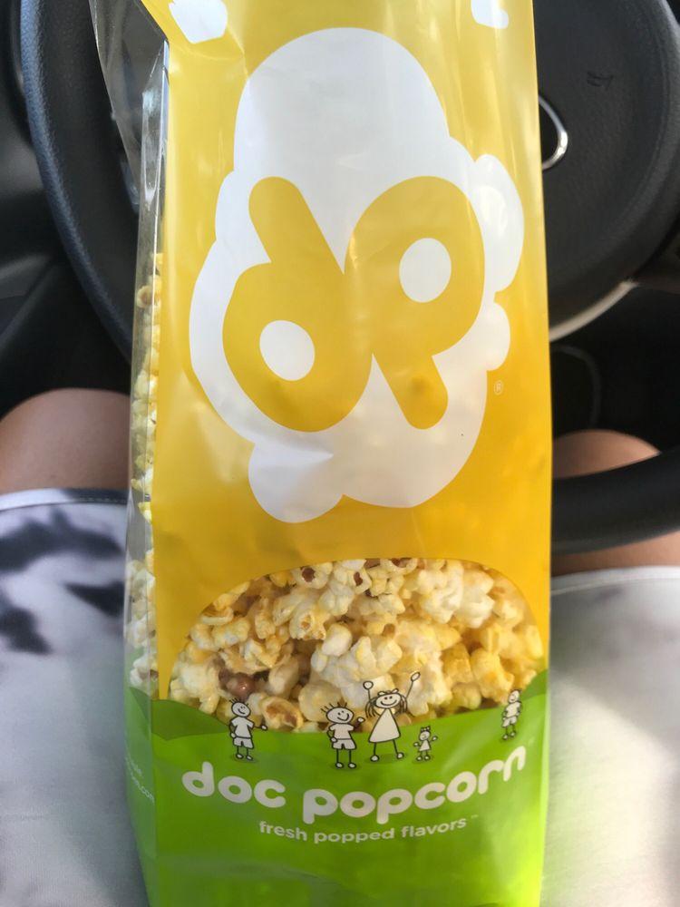 Doc Popcorn- The Outlet Mall 66: Autopista Roberto Sánchez Vilella, Canovanas, PR