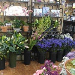 Artistic Manner Flower Shop