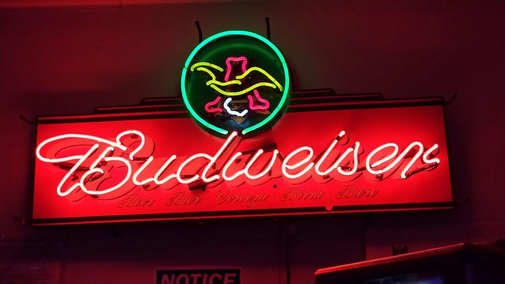 La Malquerida Bar: 307 W Central Ave, Nixon, TX