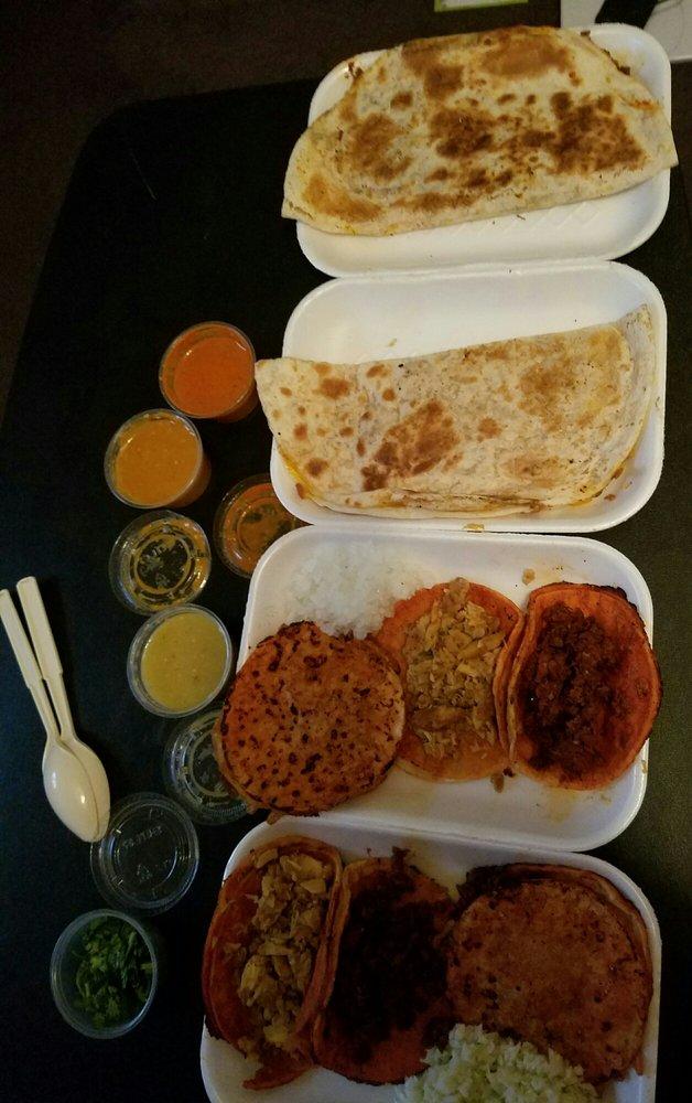 Tacos La Bomba: 12253 Imperial Hwy, Norwalk, CA