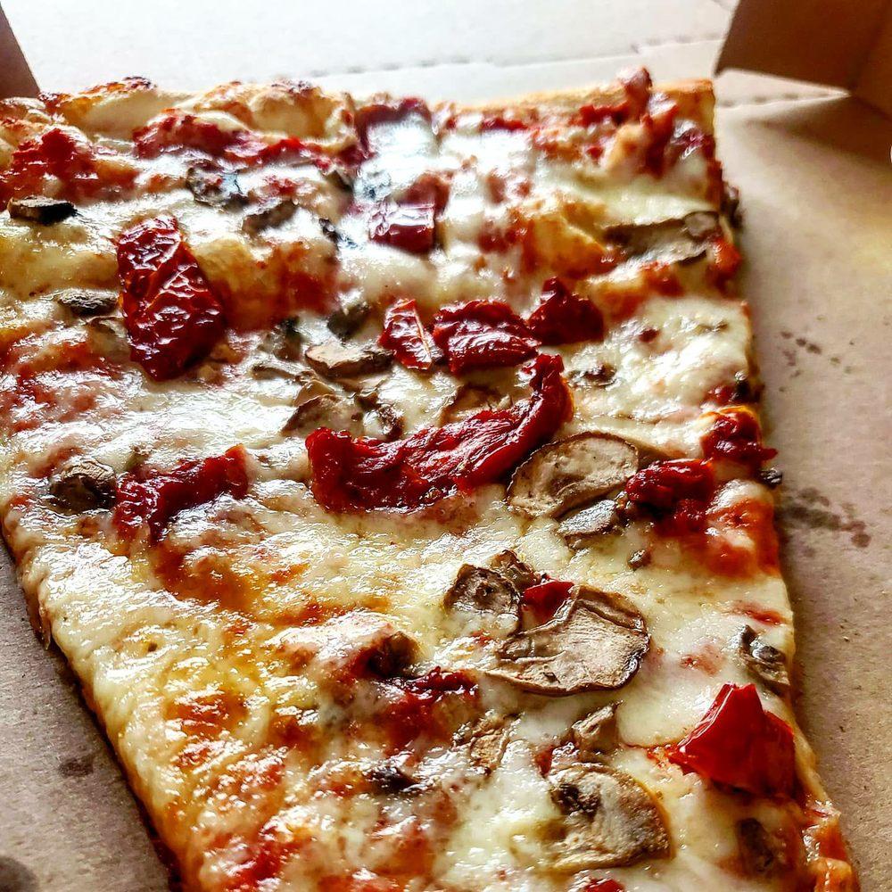 Goodfellas Pizzeria: 6099 Montgomery Rd, Cincinnati, OH