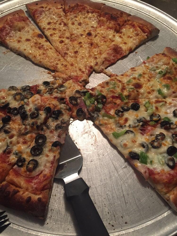 Rosa's Pizza: 219 Harriet Ave, Fessenden, ND