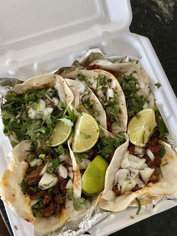 Food from Taqueria Los Sanchez's