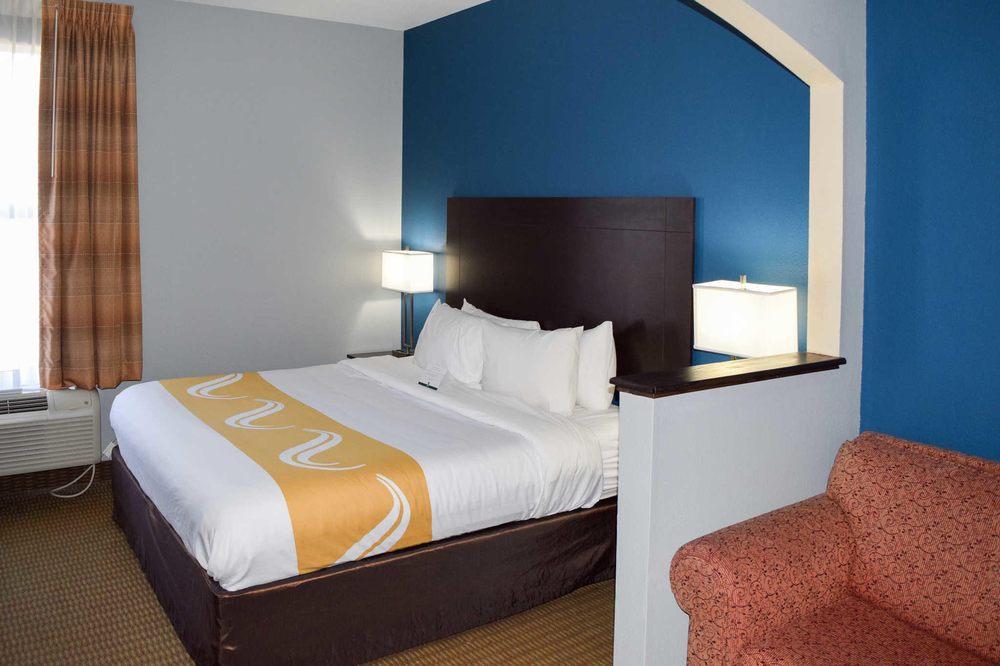 Quality Suites Maumelle - Little Rock NW: 14322 Frontier Drive, Maumelle, AR