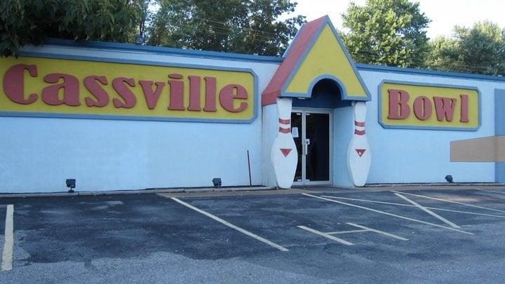 Cassville Bowl: 1813 Main St, Cassville, MO