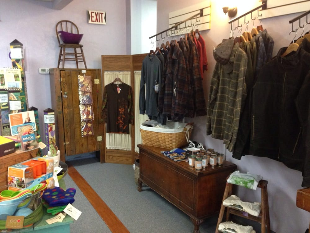 The Purple Tree: 516 2nd St, Hudson, WI