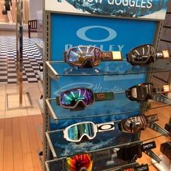dd06e5580e22 APEX by Sunglass Hut - CLOSED - 10 Photos & 23 Reviews - Eyewear ...