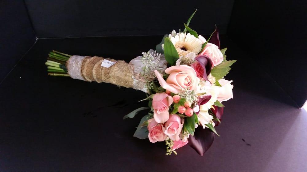 Flowers By Deb: 468 Wise St, Millersburg, OH