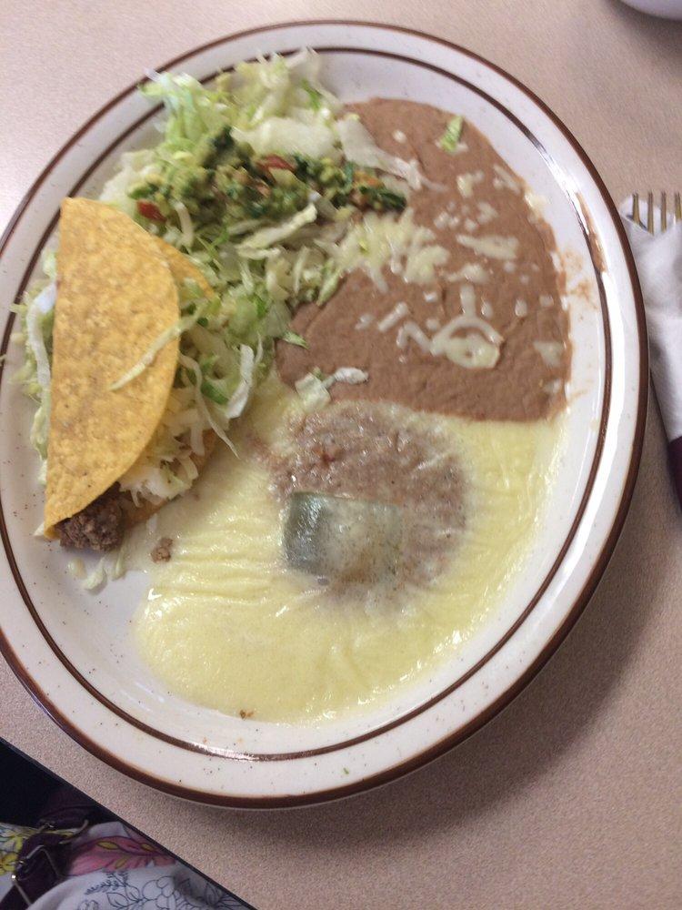Las Fuentes Mexican Restaurant: 1000 N Rose Hill Rd, Rose Hill, KS