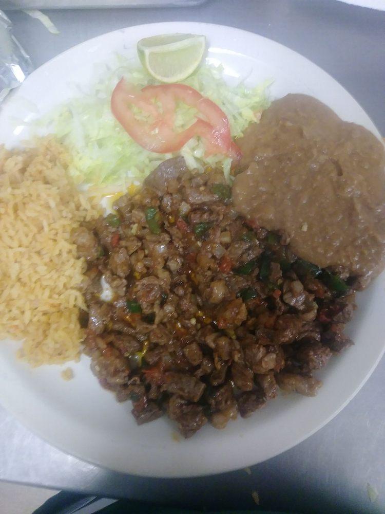 Gorditas y Tacos La Jarochita: 3652 Hwy 83, Rio Grande City, TX