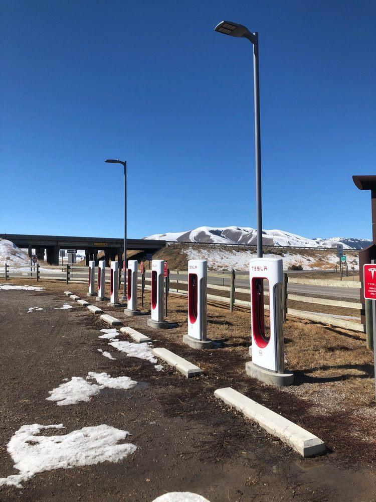 Tesla Supercharger: 108 Bailey St, Lima, MT