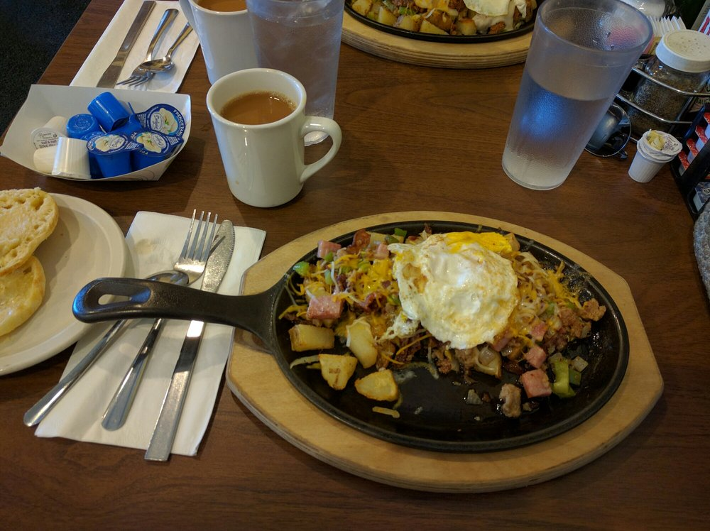 The Skillet Cafe: 90 N Country Club Dr, Snowflake, AZ
