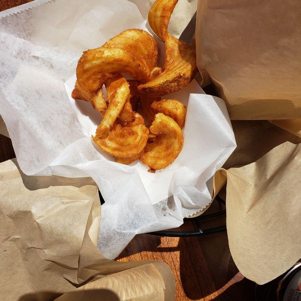 Gabutto Burger: 2502 Randall Rd, Elgin, IL