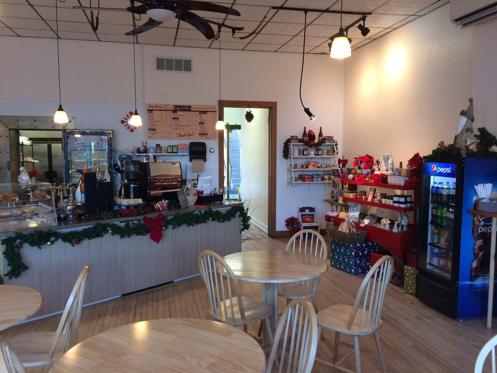 Lingonberry's Pastry & Coffee Shop: 124 2nd St NW, Ortonville, MN