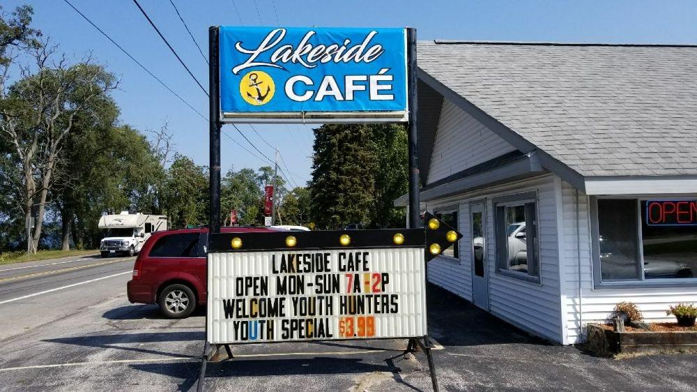 Lakeside Cafe: 7833 Lake St, Bear Lake, MI