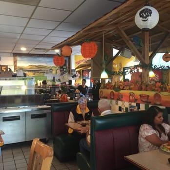 Mi pueblo petaluma 82 photos 331 reviews mexican for Food bar petaluma