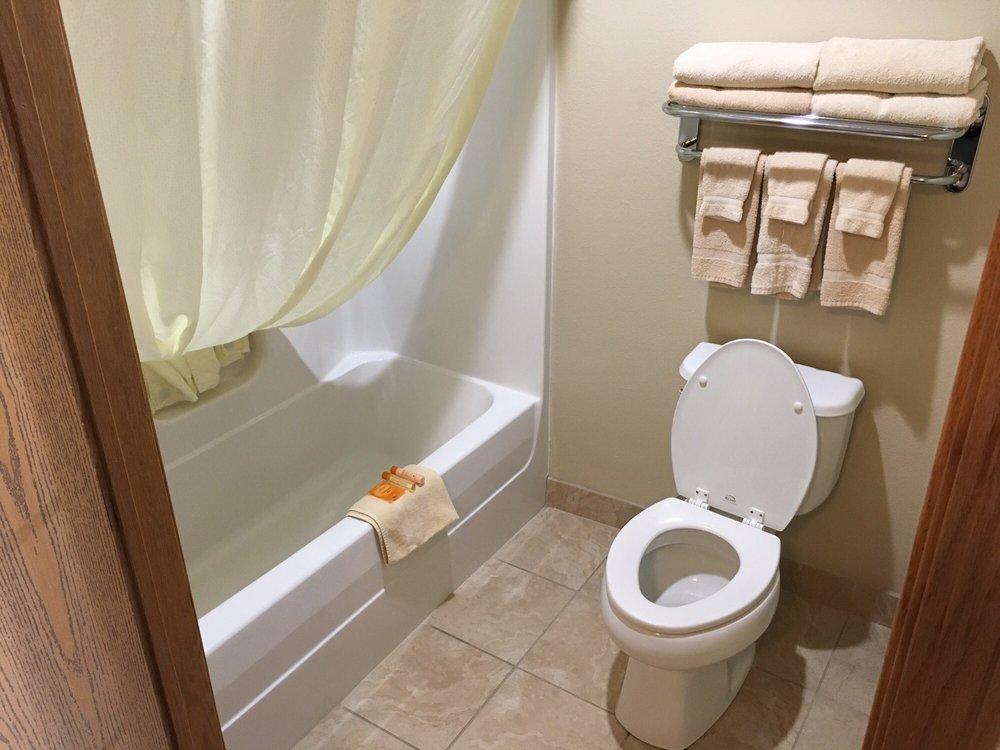 Bowman Inn & Suites: 502 5th Ave SW, Bowman, ND