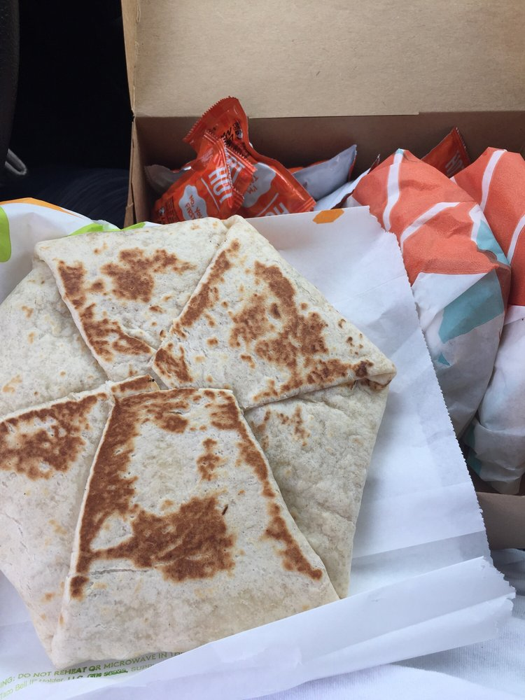Taco Bell: 220 Tri County Lane, Belle Vernon, PA