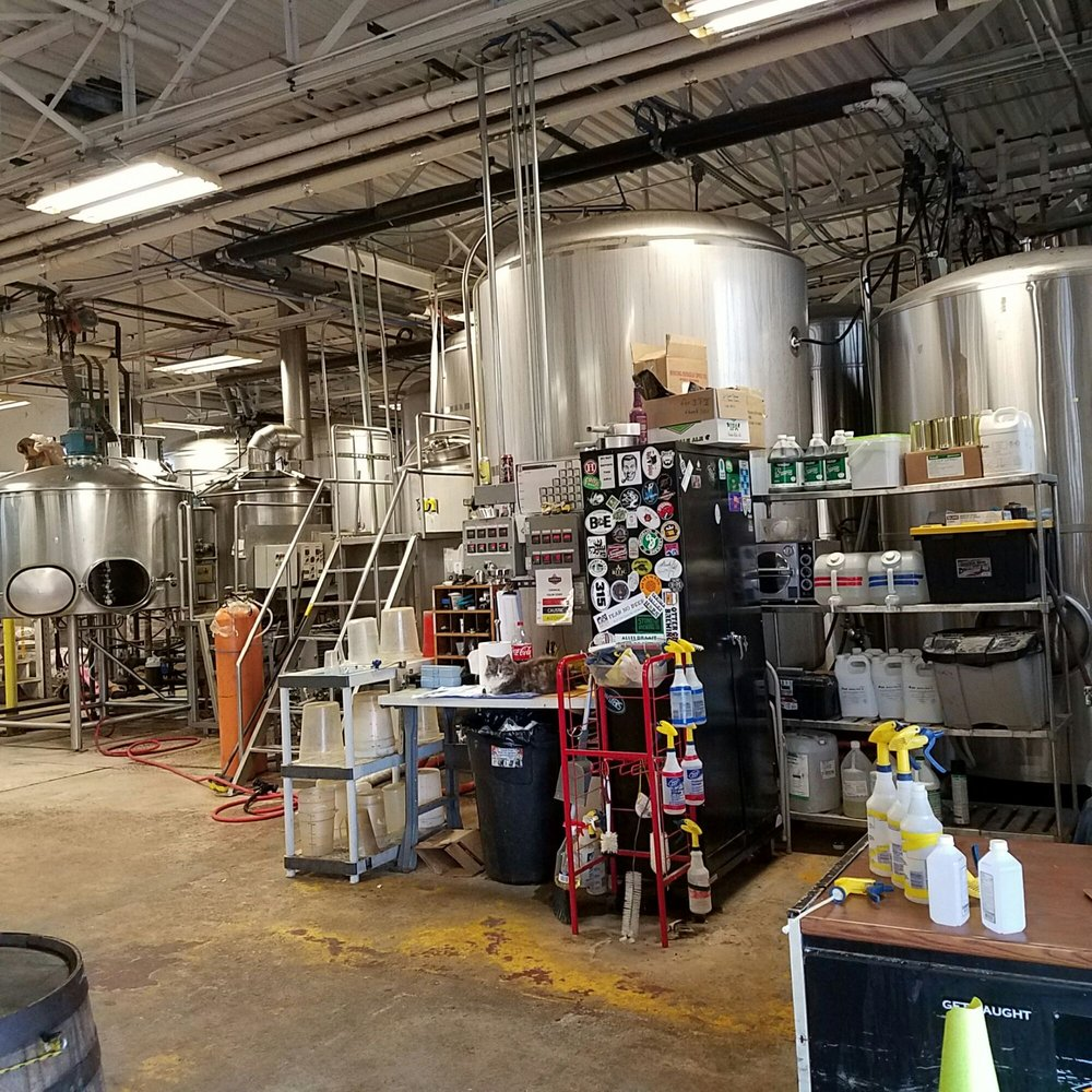 Thomas Hooker Brewery: 16 Tobey Rd, Bloomfield, CT